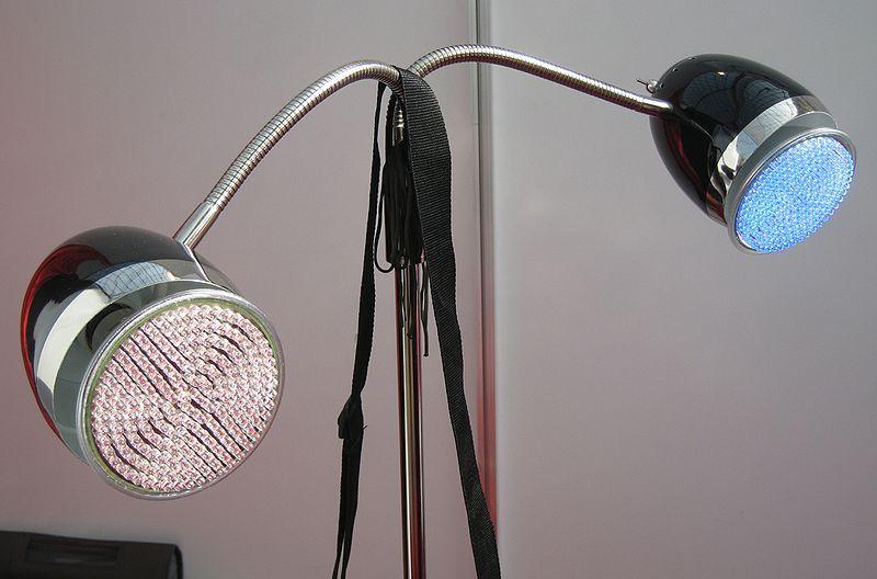 торшер на светодиодных лампах