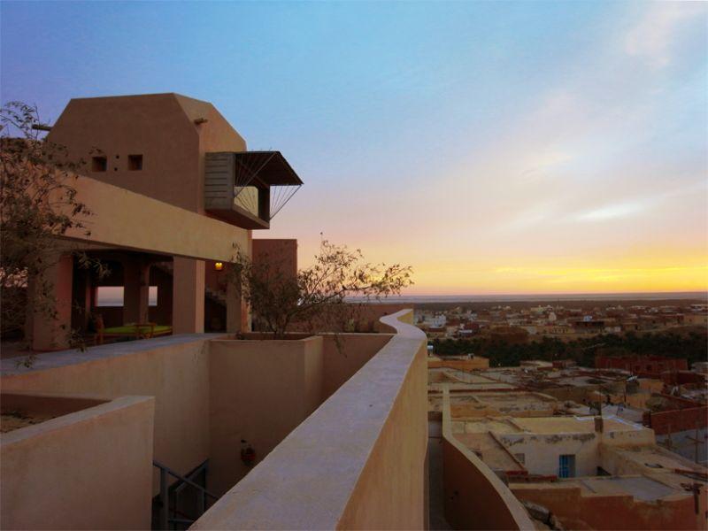 Экоотель на краю Сахары