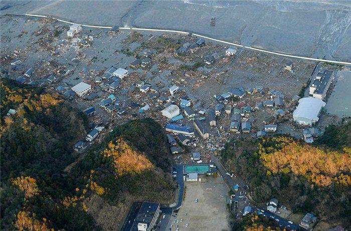 Мир помогает Японии