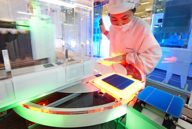 Китай самостоятельно производит солнечные батареи