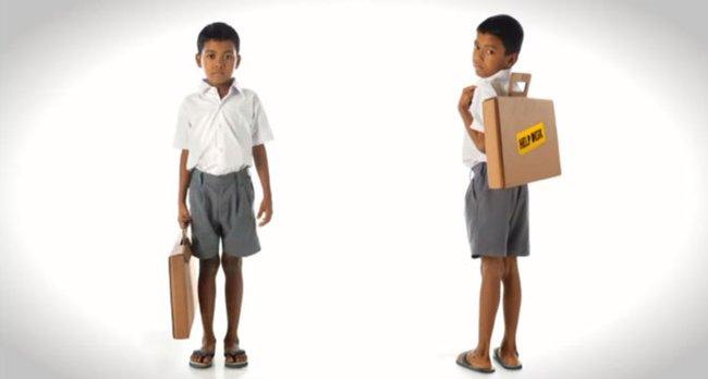 Парта-портфель из переработанного картона
