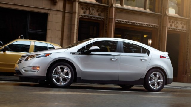 10 лидеров американского рынка зелёных автомобилей 2013 Volt