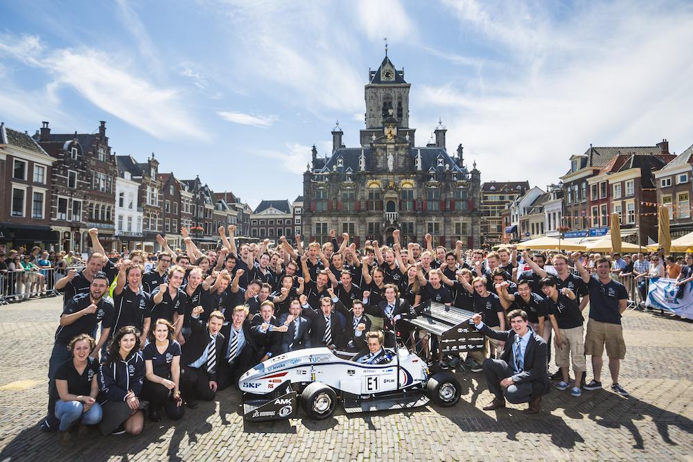 Автомобиль спроектирован и построен командой DUT14 из 80 студентов