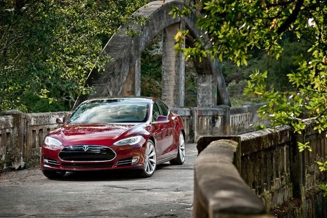 10 лидеров американского рынка зелёных автомобилей Model-S