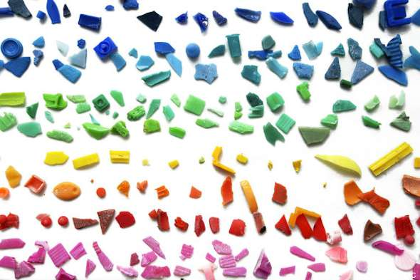Из всех пластиковых остатков, собранных сетью, большинство были размером менее 0,5 см.