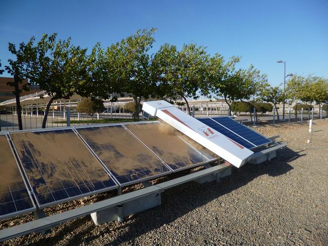 Робот для очистки солнечных панелей в пустыне. Facepla.net последние новости экологии