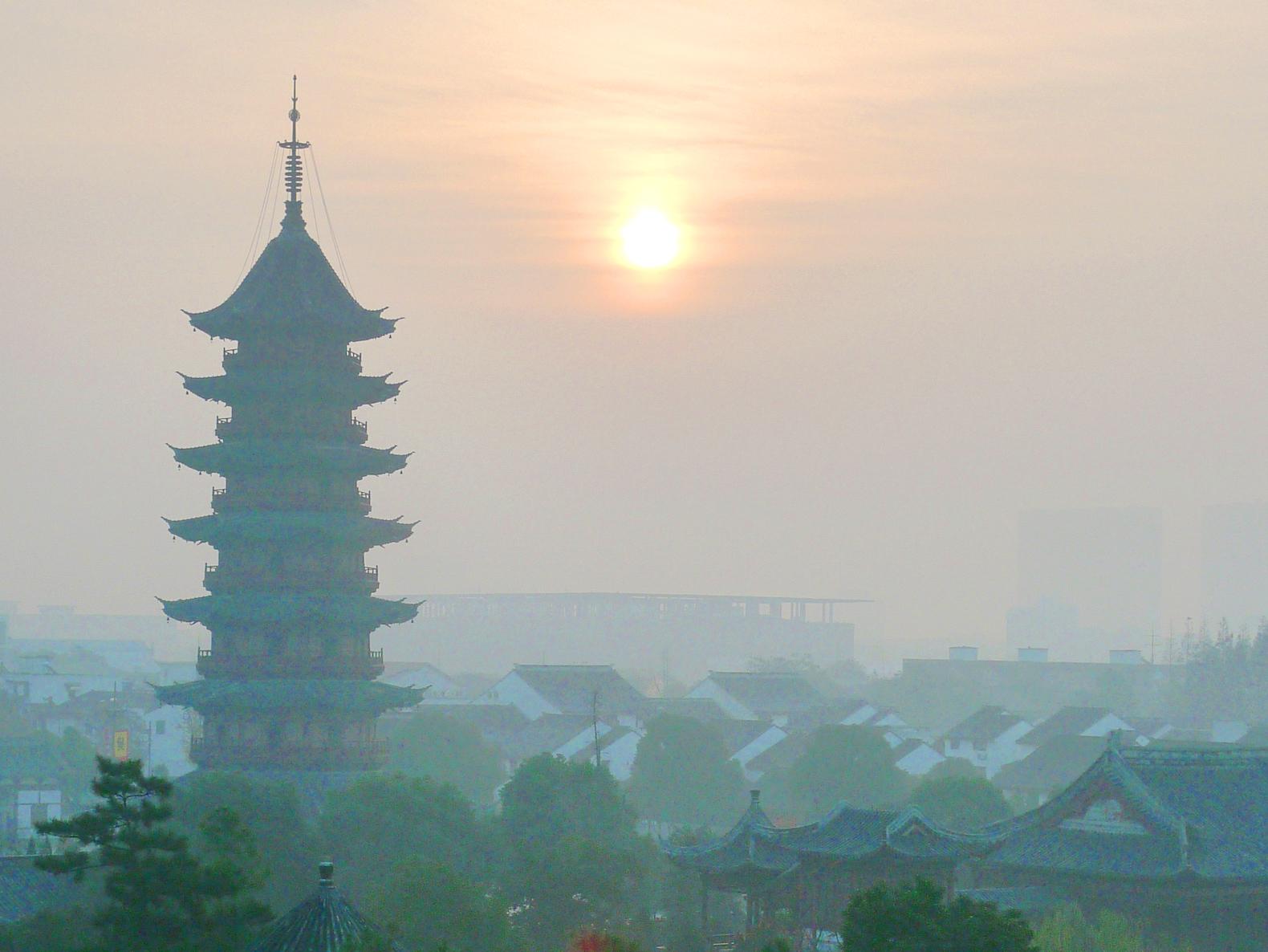Китай закрывает свои заводы