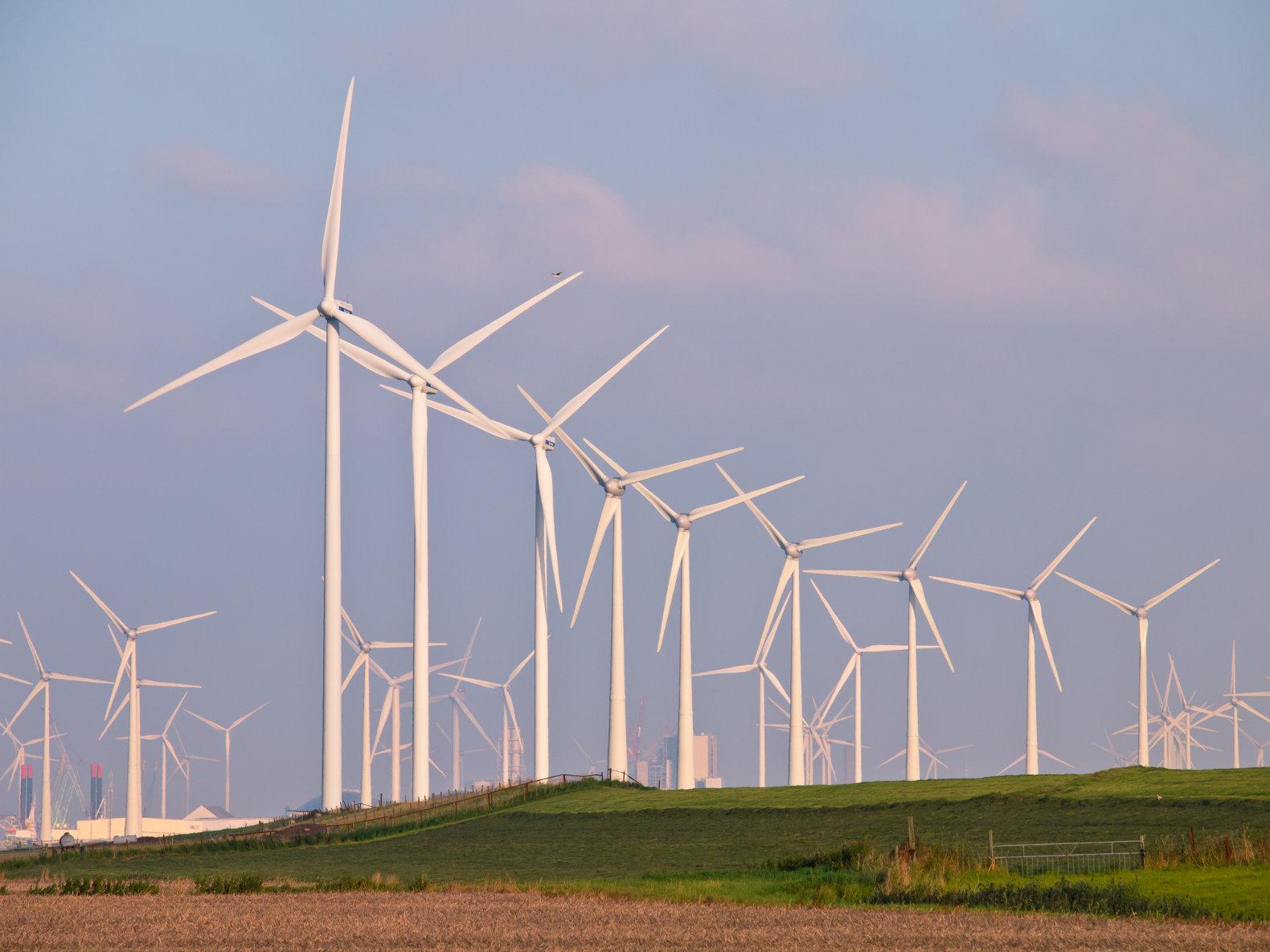 Инновационная ветровая турбина для сильных штормов Исландии