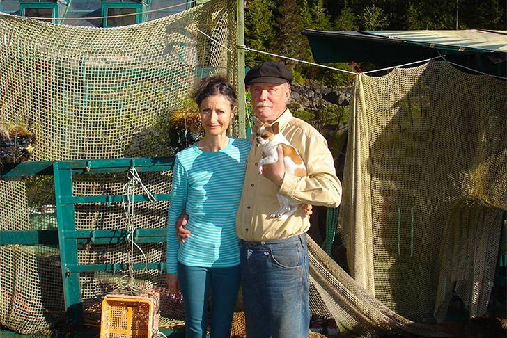 Пара потратила 20 лет на строительство устойчивого плавучего оазиса