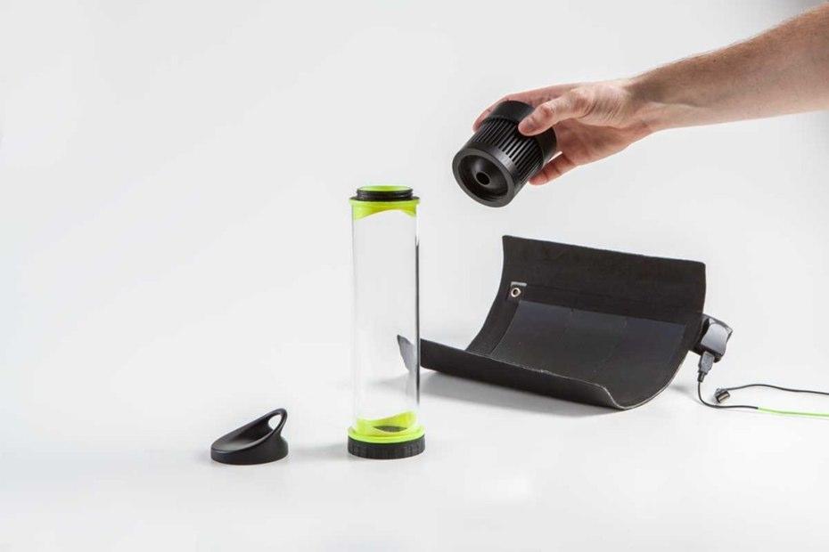 Самозаполняющаяся водой бутылка
