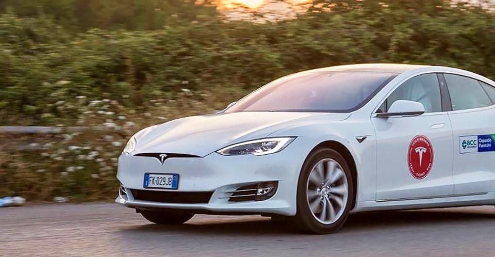 Новый рекорд: Tesla Model S проезжает более 1000 км за одну зарядку