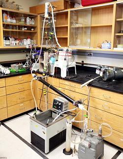 Опреснительная установка в университетской лаборатории
