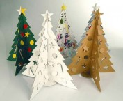 10-christmas-trees-made-of-rubbish