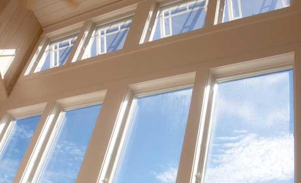 Прозрачная солнечная пленка превратит окна в солнечные батареи