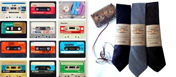 галстук из аудиокассет