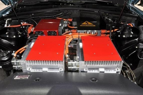 Суммарная мощность двух электродвигателей составляет 389 лошадиных сил