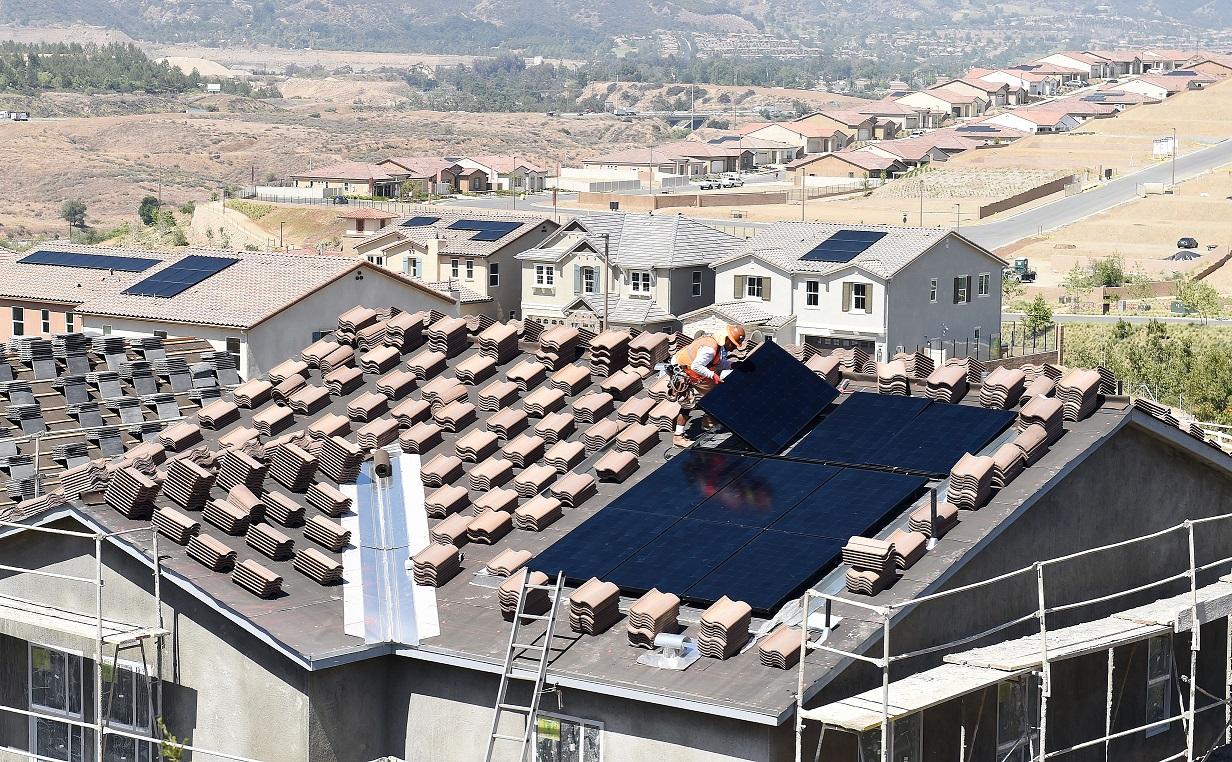 Новый закон в Калифорнии: солнечные панели обязательны к установке