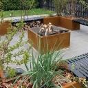 """Jeśli używasz doniczek modułowych, możesz wykorzystać miejsce do przechowywania ziemi doniczkowej bezpośrednio pod wkładką uprawną. Donica uzbrojona w statyw na kółkach umożliwia łatwą zmianę położenia roślin na http://kwiaciarniabmflora.pl/"""">balkonie i tarasie odpowiednio do określonych potrzeb. <br />Balkon z własnym wyżywieniem. Zbieraj owoce swojej pracy. Możesz przenieść domek ogrodow"""